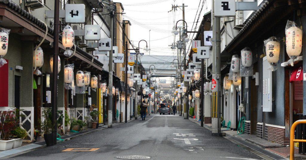 飛田新地で働いてる女の子って、どうやって入店するの?